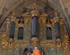 Eglise Saint-Sauveur - Français:   de plus près