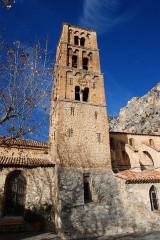 Eglise - Français:   Moustiers-Sainte-Marie - Clocher roman lombard