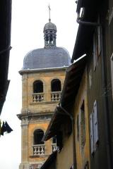 Eglise paroissiale Notre-Dame, Saint-Nicolas (ancienne collégiale) - Français:   Vue d\'un des deux clochers de la ollégiale Notre-Dame-et-Saint-Nicolas ville de Briançon, département des Hautes-Alpes, France.