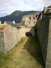 Anciennes fortifications de la Ville Haute -  Hautes Alpes Briancon Porte Dauphine Vue Porte Pignerol