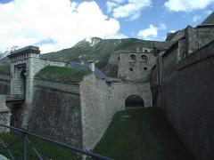 Anciennes fortifications de la Ville Haute -  Porte Dauphine