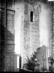 Eglise paroissiale, chapelle Saint-Esprit et tour Grimaldi -