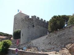 Tour du Suquet, chapelle Sainte-Anne et église Notre-Dame-de-l'Espérance -  Musee de la Castre, Cannes, Provence-Alpes-Côte d'Azur, France