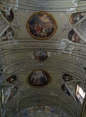 Eglise Saint-Jacques-le-Majeur dite du Gésu - Français:   Nice - Église Saint-Jacques-le-Majeur - Décoration de la voûte de la nef