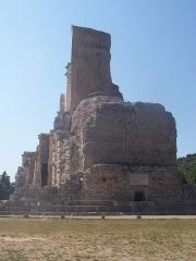 Ruines du Trophée d'Auguste, actuellement Musée du Trophée d'Auguste -  Picture of Trophee des Alpes in La Turbie, France