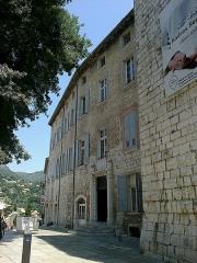 Remparts (vestiges des anciens) -  Vence Place Du Frene Chateau11072015