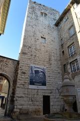 Remparts (vestiges des anciens) -  Remparts de Vence (Alpes-Maritimes) - Porte du Peyra et la Tour