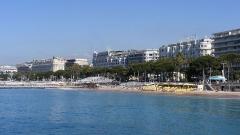 Hôtel Carlton -  Cannes Francja widok bulwaru  La Croisette Cannes z nowego portu.