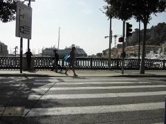 Ensemble concerté constitué au fond du port Lympia -  Place de l'lle de Beaute - Nice