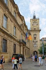 Hôtel de ville - Deutsch: Rathaus von Aix-en-Provence, Hauptfassade (Ostfassade) mit Uhrenturm