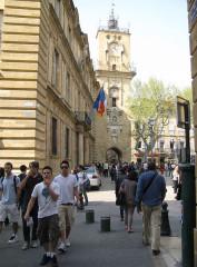 Hôtel de ville - Deutsch: Aix-en-Provence: Uhrenturm, links Rathaus