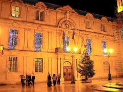Hôtel de ville - English: Front of the city hall of d'Aix-en-Provence.