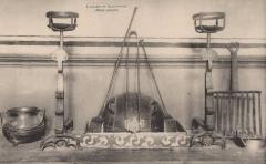 Ancien collège des Jésuites et ancien hôtel de Laval-Castellane, actuellement musée d'art chrétien et Museon Arlaten - Musée Arlaten landiers et accessoires début XXe s