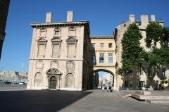 Hôtel de ville -  Hôtel de ville de Marseille, pont d'accés au premier étage.