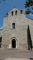 Eglise - Français:   Église de la Transfiguration du Sauveur: façade; Le Castellet (Var).