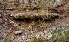 Aqueduc antique (restes de l') - mur de franchissement d'un vallon au nord de Malpasset