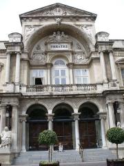 Théâtre municipal -  Avignon-Theatre-Opera-1846-1847 anstelle des alten abgebrannten Theaters von den Architekten Leon Feucheres&Theodore Charpentier errichtet 1.