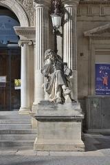 Théâtre municipal - English: Statue of Molière at the Opéra d'Avignon in Avignon.