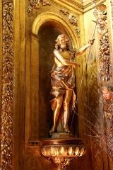 Ancienne cathédrale, puis église paroissiale Saint-Véran - Français:   Statue en bois doré représentant saint Jean-Baptiste dans la chapelle César de Bus dans la cathédrale de Cavaillon