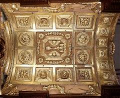 Ancienne cathédrale, puis église paroissiale Saint-Véran - Français:   détail du plafond en bois sculpté et doré dans la chapelle César de Bus, appelé aussi du Sacré-Cœur dans la cathédrale de Cavaillon