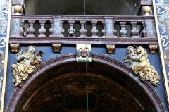 Eglise paroissiale Notre-Dame-des-Anges - Français:   Collégiale Notre-Dame des anges- Sculptures de Jean Péru (1650-1723) représentant des figures allégoriques: à droite la virginité et à gauche la chasteté.