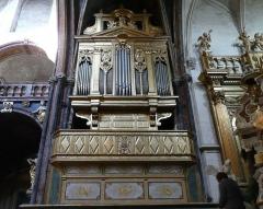 Eglise paroissiale Notre-Dame-des-Anges - Français:   1648 Charles Royer construit un orgue de 12 jeux environ