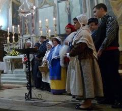 Eglise Notre-Dame-de-Nazareth (ancienne cathédrale) - Français:   Groupe provençal lors de la veillée de Noël dans la cathédrale d\'Orange
