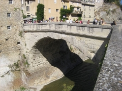 Pont romain -  Roman Bridge in Vaison-la-Romaine