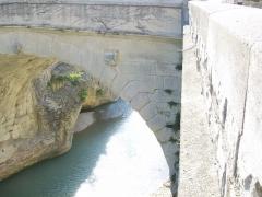 Pont romain - Deutsch:   Die Römerbrücke (Vaison-la-Romaine) in Frankreich. Detailansicht.