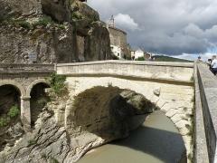 Pont romain - Français:   Vaison-la-Romaine, ville du Vaucluse (France). Pont Romain sur l\'Ouvèze.