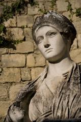 Théâtre romain -  Replica of Vibia Sabina statue in Vaison-la-Romaine
