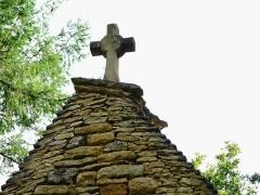 Château de Coulonges - Français:   La croix sommitale de la chapelle du château de Coulonges, Montignac, Dordogne, France.