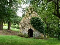 Château de Coulonges - Français:   La chapelle du château de Coulonges, Montignac, Dordogne, France.