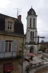 Eglise Saint-Pierre-ès-Liens - Français:   Montignac, Dordogne, France. L\'église