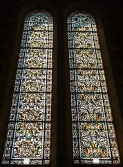 Eglise Saint-Pierre-ès-Liens - Français:   Verrières de la nef de l\'église Saint-Pierre-ès-Liens de Montignac, Dordogne, France.
