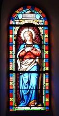 Eglise Saint-Ours - Français:   Vitrail du transept de l\'église Saint-Ours, Sainte-Orse, Dordogne, France. Représentation de la Vierge Marie.