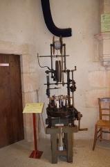 Château - Français:   Tresseuse ou valseuse - musée des tisserands à Varaigne, Dordogne, France