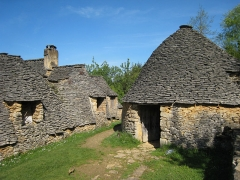 Maison d'habitation et cabanes en pierre sèche du Breuil -  Les «Cabanes du Breuil» near the village of Saint-André-d'Allas situated in the Département of Dordogne/France