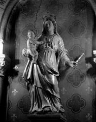 Eglise paroissiale Saint-Germain - Deutsch: Skulptur Madonna mit Kind in der Kirche St-Germain von Arsac