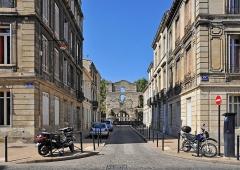 Restes de l'amphithéatre dit Palais Gallien - Nederlands: Bordeaux (Frankrijk): de Rue du Colisée, met op het einde de ruïnes van het Palais Gallien