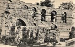Restes de l'amphithéatre dit Palais Gallien - Français:   Bordeaux-les-ruines-du-Palais-Gallien