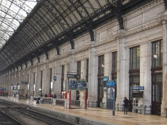 Gare de Bordeaux-Saint-Jean -  La gare, ainsi que sa verrière métallique couvrant les voies, fait l'objet d'une inscription au titre des monuments historiques depuis le 12 décembre 1984.