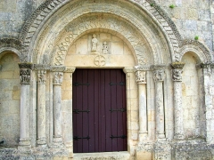 Eglise Saint-Saturnin - English: Chapiteaux de l'église Saint-Saturnin de Cardan