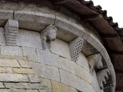 Eglise Saint-Pierre - English: Modillons de l'église Saint-Pierre de Martres