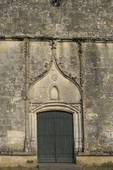 Eglise Saint-Pierre - Deutsch: Kirche Saint-Pierre in Pujols (Gironde) im Département Gironde (Région Aquitaine/Frankreich), Portal der Westfassade