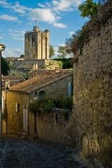 Donjon fortifié, dit Château du Roi -  Tour du Roi - Saint Emilion