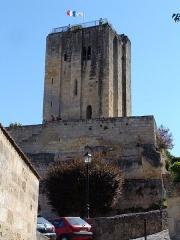 Donjon fortifié, dit Château du Roi - Français:   Vue de Saint-Émilion.