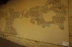 Ancien prieuré d'Arthous - Français:   Abbaye d\'Arthous - Mosaïque (4e-5e siècle) décor géométrique provenant de la villa de Mouneyres, Sarbazan, Landes