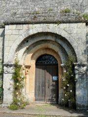 Eglise Saint-Sardos de Laurunque - Français:   Gavaudun - Eglise Saint-Sardos de Laurenque - Portail