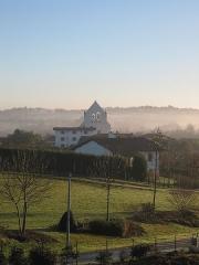 Eglise Saint-Martin -  Vue de l'eglise d'Ahetze, prise le 01/01/05 par Harrieta171
